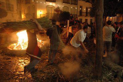 crujia-de-gamones-en-Ubrique-Fiesta-tpica-andalucia